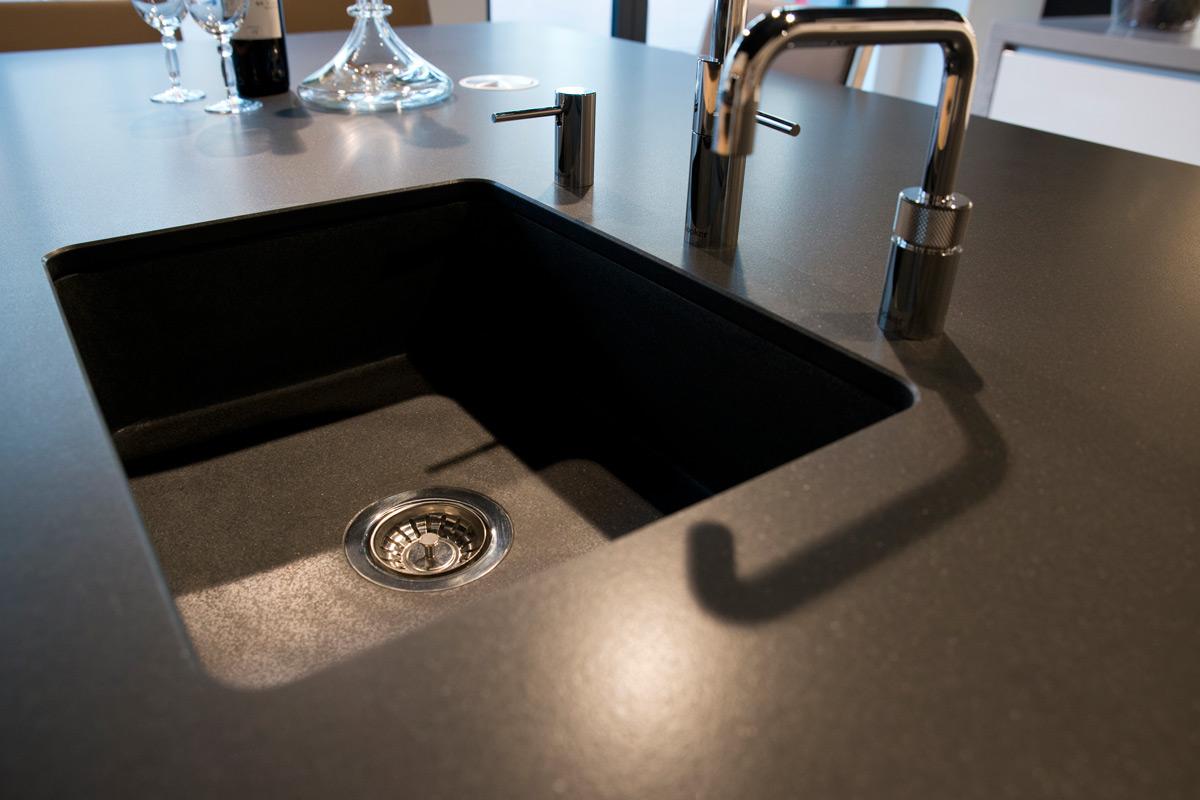 Problemen Fenix Aanrechtbladen : Zwarte keuken fenix u2013 informatie over de keuken