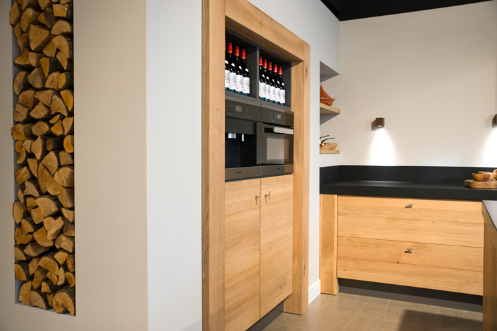 Moderne houten keukens robuust en tijdloos bourgonje keukens