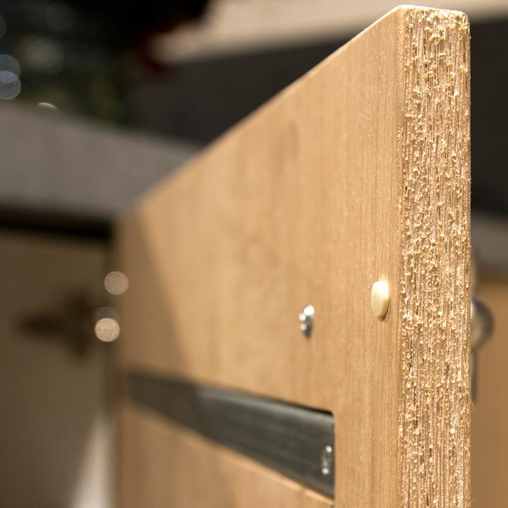 detail-houten-kastje-binnenkant@2x